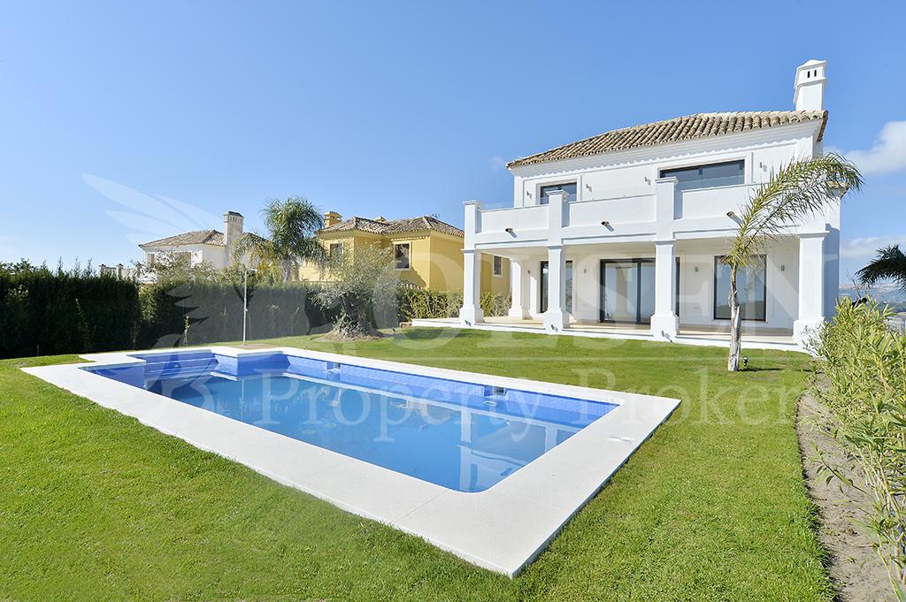 Unique brand new luxury five-bedroom Villa in Casares Costa